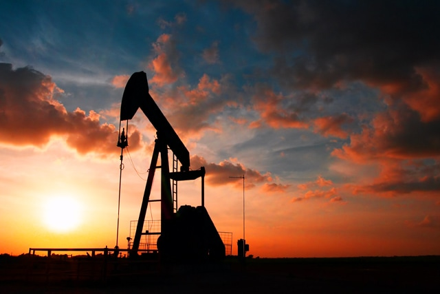 Baker Hughes data help Oil to trim down losses, bears may be in a trap.